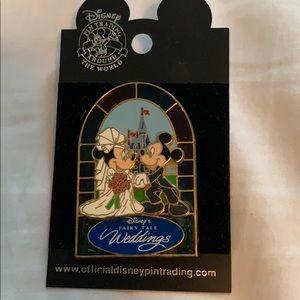 Disney Fairy Tale weddings trading pin Mickey minn